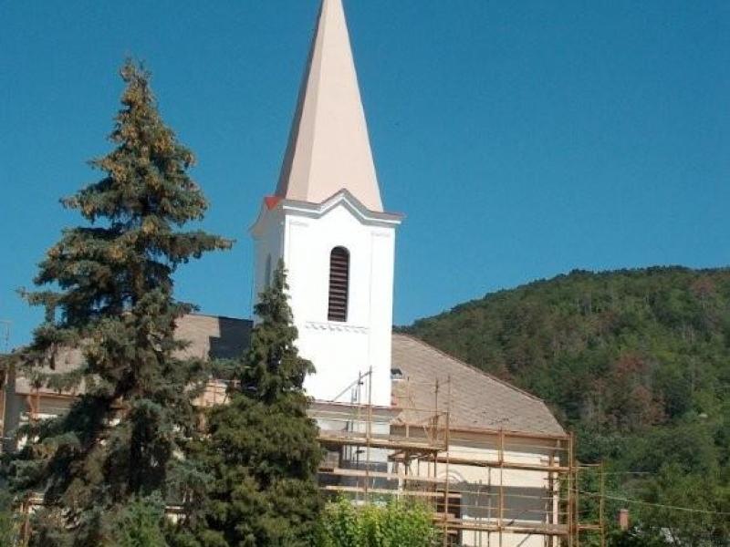 balatonaracs-reformatus-templom-29F8F1EE4-7A85-DC71-8010-184AA76535F3.jpg